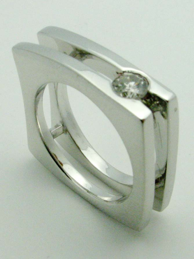 11138 14K WHITE GOLD DIAMOND NEW AGE RING