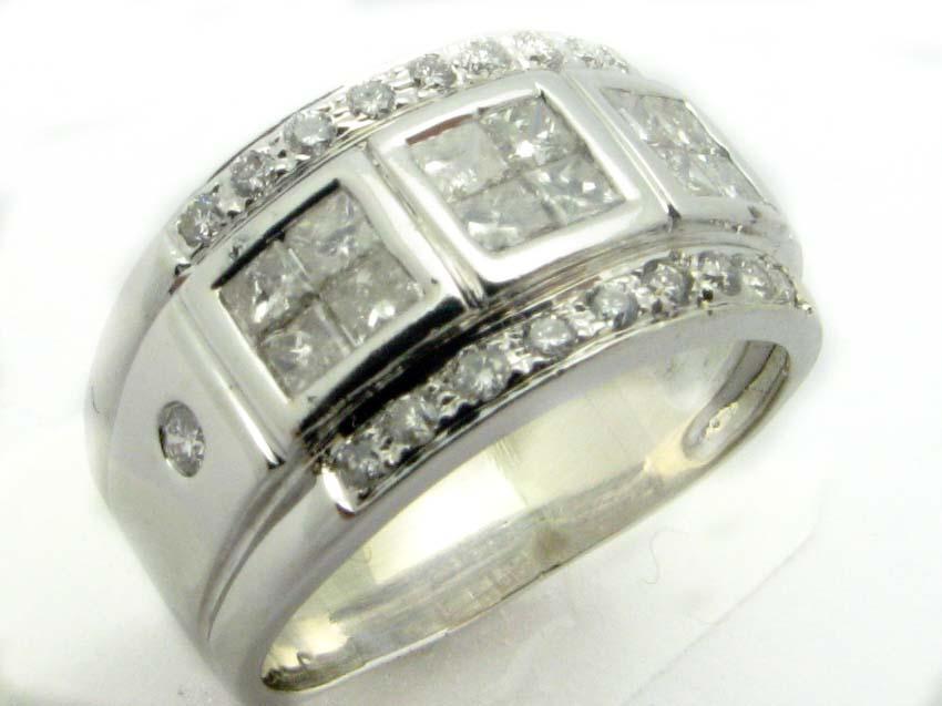 11142 14K WHITE GOLD PRINCESS DIAMOND RING