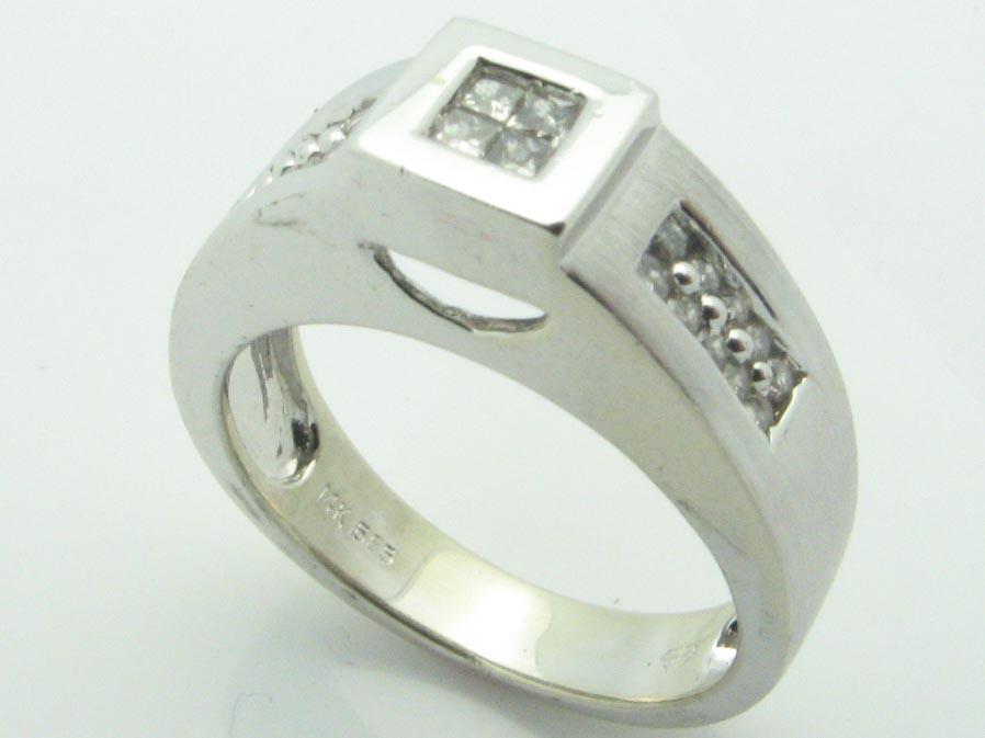 11144 14K WHITE GOLD LADIES PRINCESS DIAMOND RING