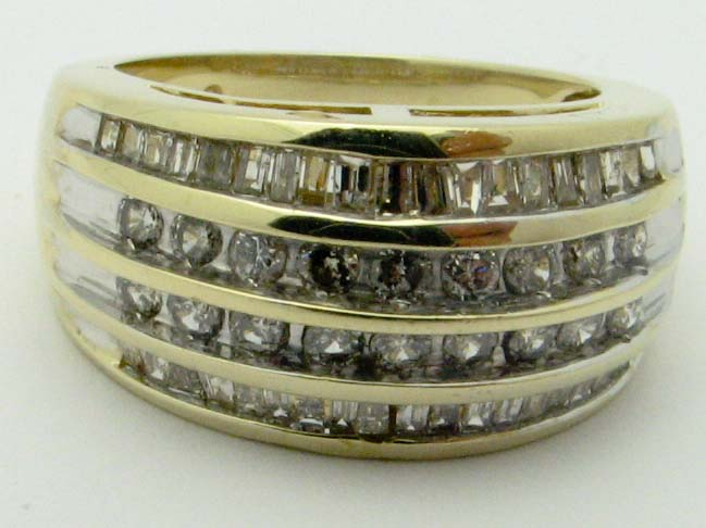 11152 10K YELLOW GOLD LADIES DIAMOND BAND