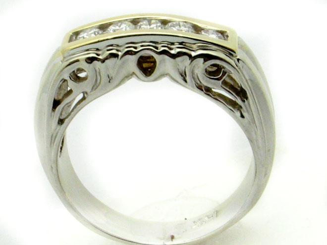 11170 14K TWO TONE  ROUND DIAMOND RING
