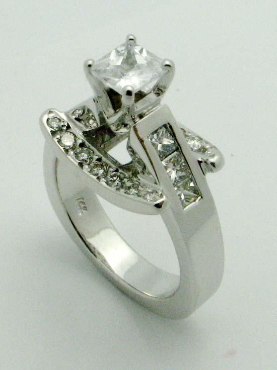 11221 14K WHITE GOLD DIAMOND BOAT RING