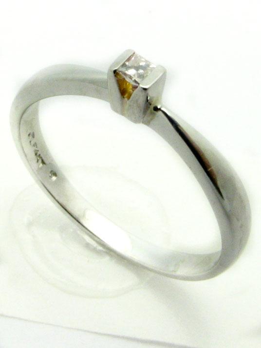 11243 14K WHITE GOLD LADIES PRINCESS DIAMOND RING