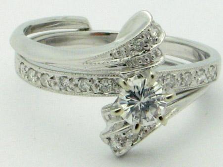 11246 14K WHITE GOLD LADIES ROUND DIAMOND RING