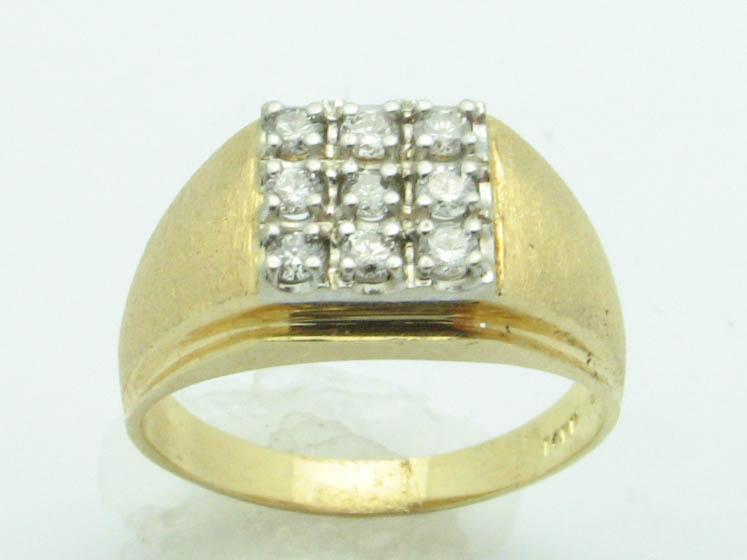 11507 14K YELLOW GOLD DIAMONDS RING