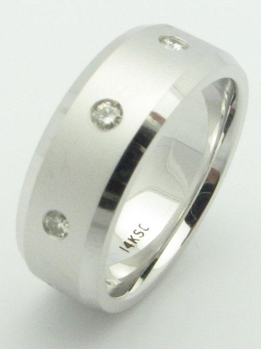 11540 14K WHITE GOLD DIAMONDS RING