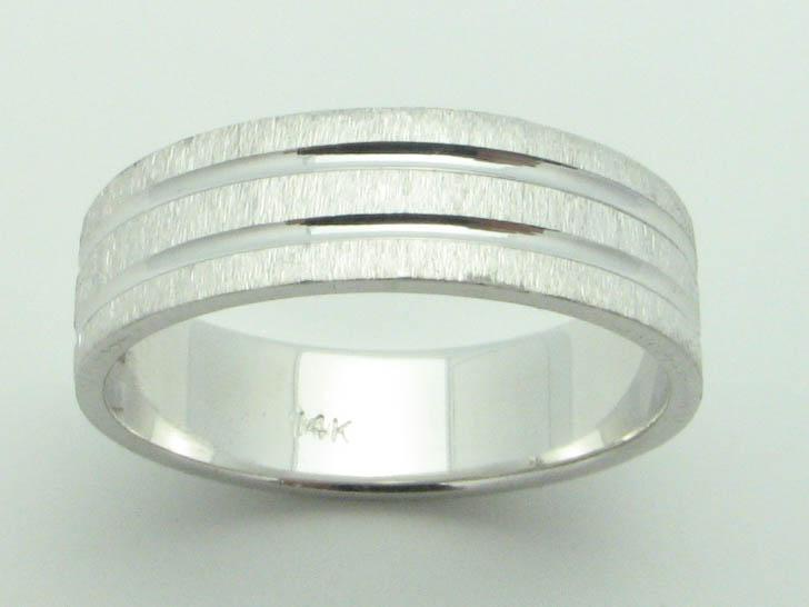 11544 14K WHITE GOLD  DIAMOND CUT RING