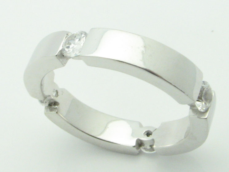 11557 14K WHITE GOLD CUBIC ZERCONIA RING