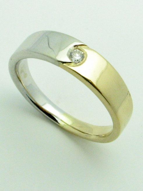 11559 14K TWO TONE DIAMOND RING
