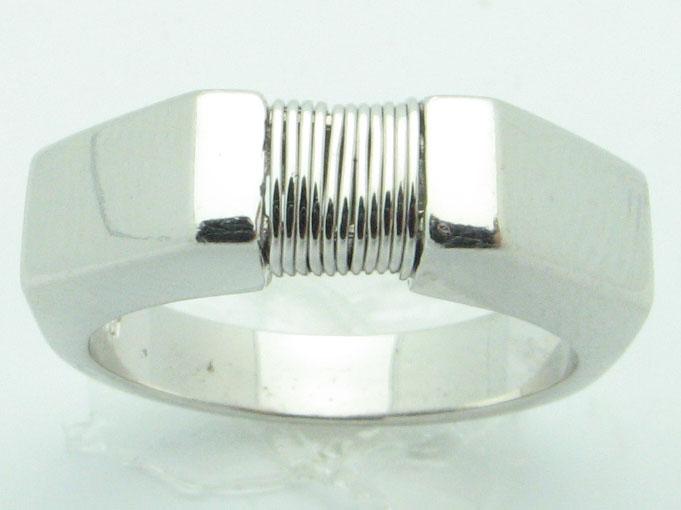 11617 18K WHITE GOLD STRING RING