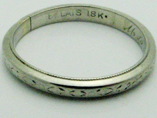 12896 18K WHITE GOLD ANTIQUE RING