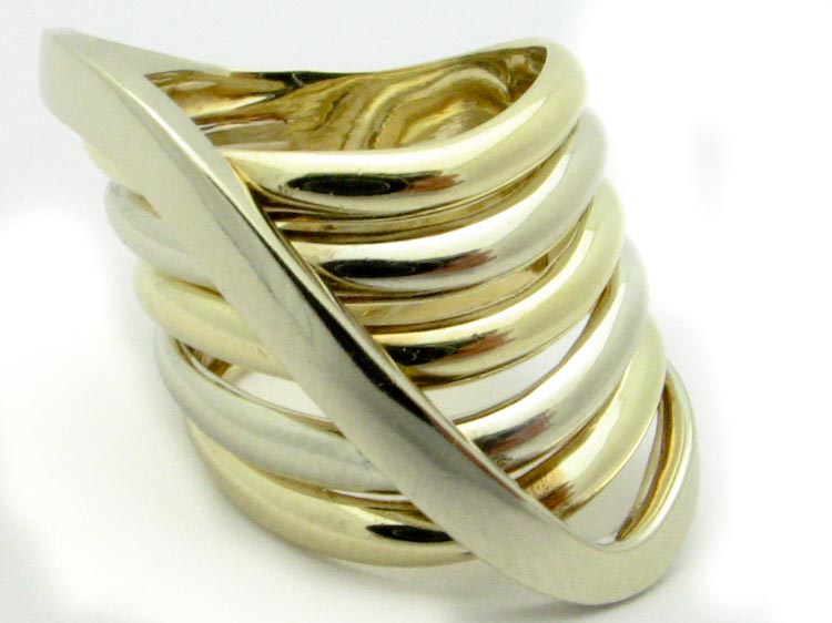 13244 14K TWO TONE FREEFROM RING