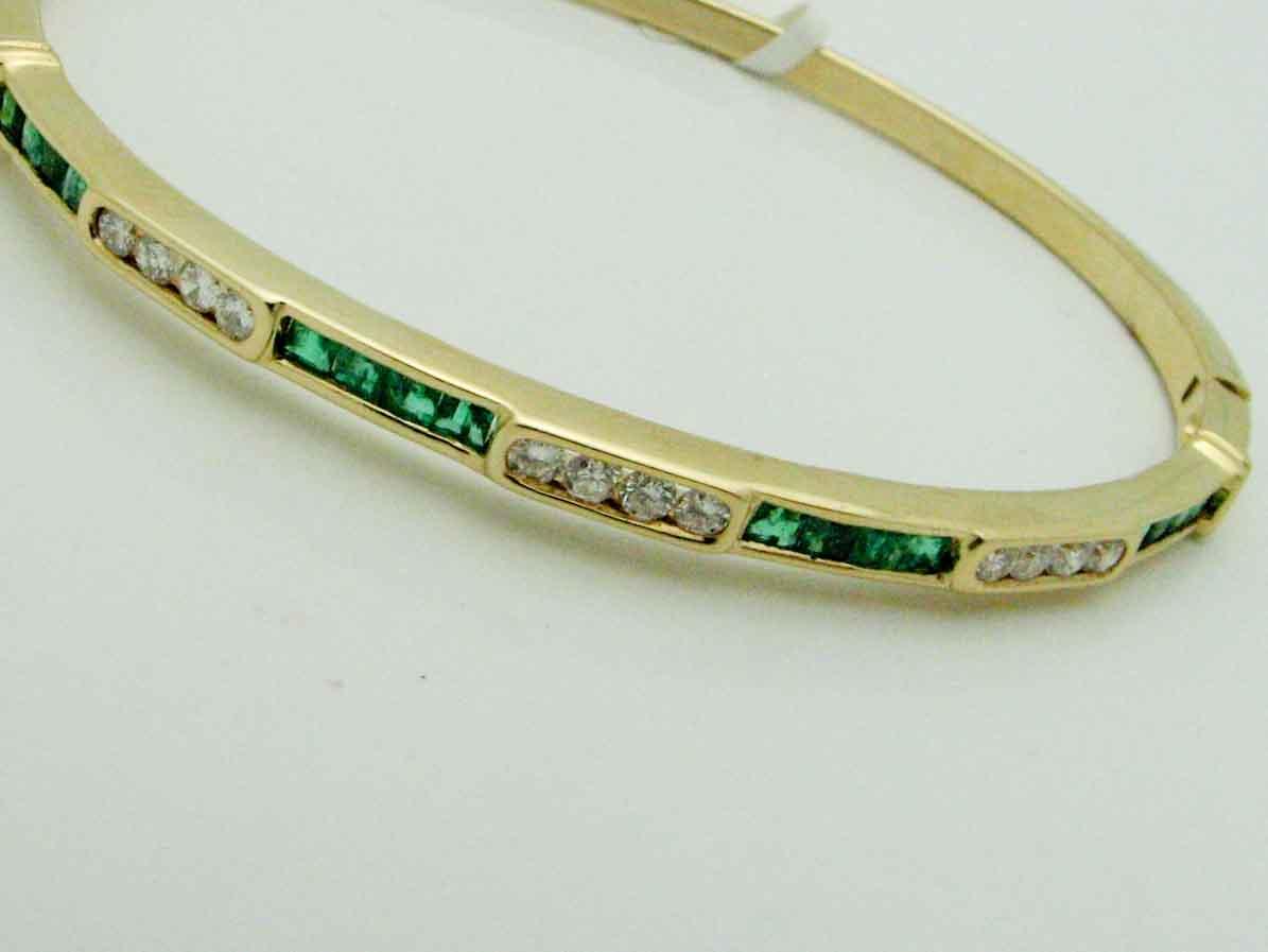 13646 14K YELLOW GOLD DIAMOND EMERALD BRACELET