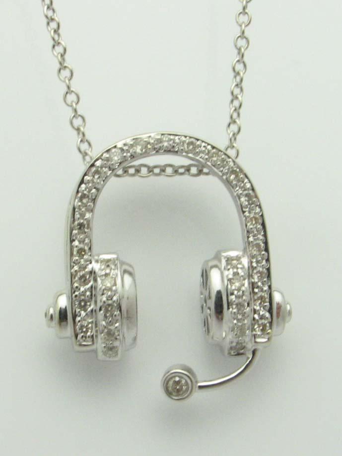 14442 14K WHITE GOLD DIAMOND HEADPHONE PENDENT