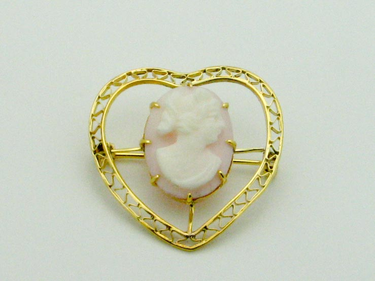 15583 14K YELLOW GOLD HEART CAMEO PIN