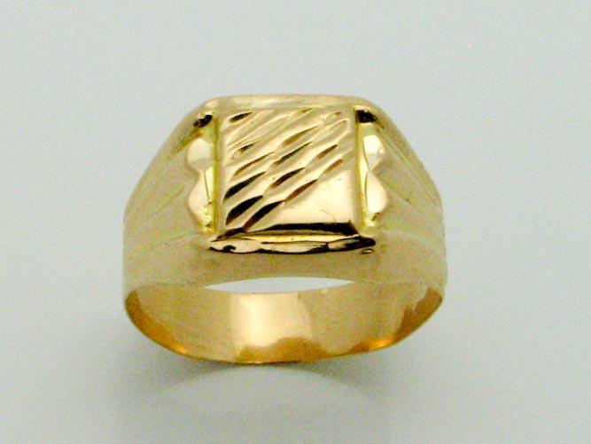 15621 21K YELLOW GOLD SIGNET RING